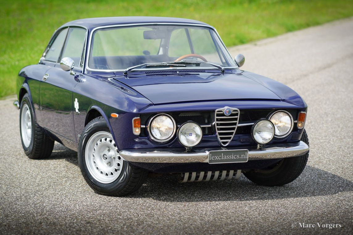 alfa romeo gt 1300 junior 1969 classicargarage fr. Black Bedroom Furniture Sets. Home Design Ideas