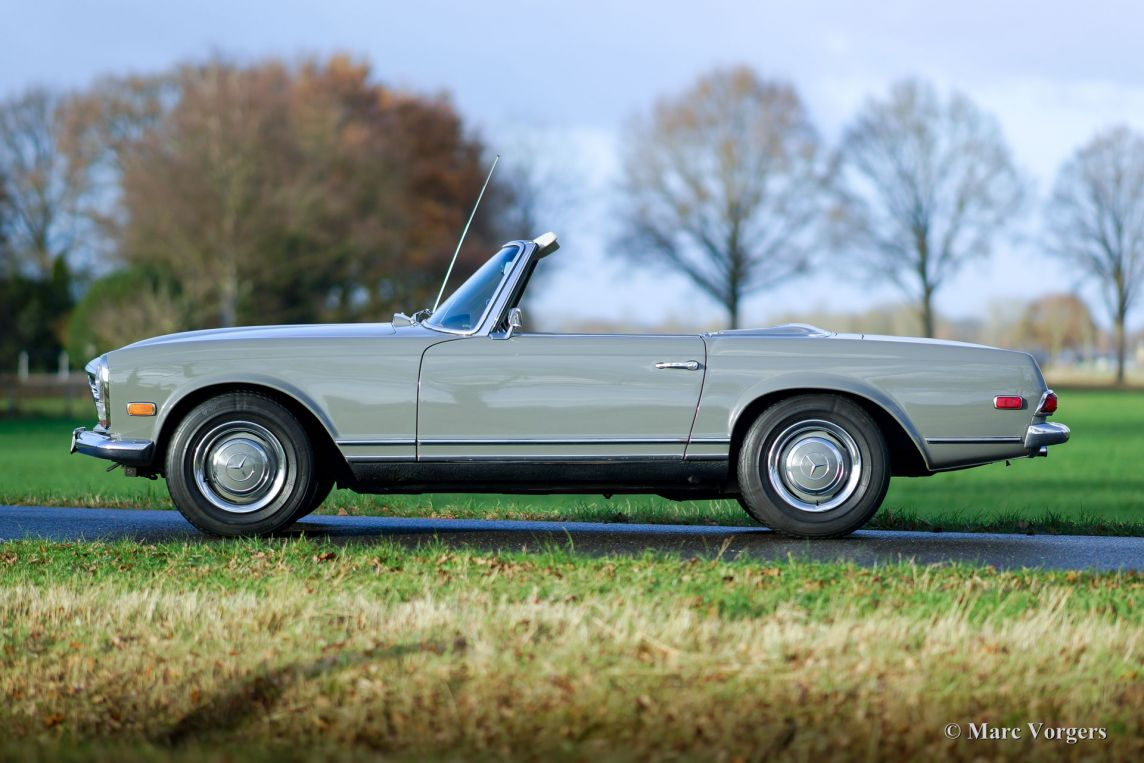 Mercedes benz 250 sl pagode 1967 classicargarage fr for Where do they make mercedes benz