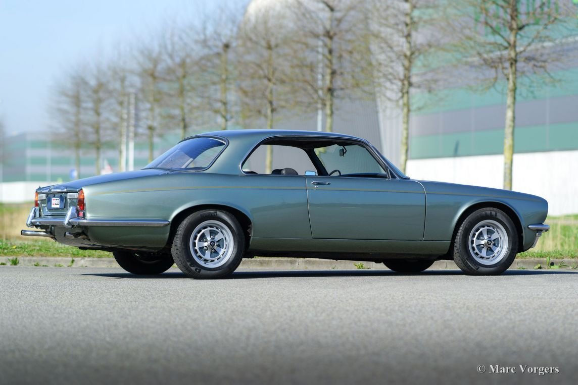 jaguar xj6 4 2 litre coupe 1975 classicargarage fr. Black Bedroom Furniture Sets. Home Design Ideas