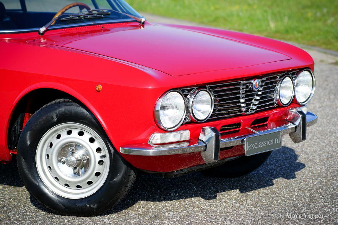 Alfa Romeo Giulia GT 1300 Junior, 1975 - Classicargarage - FR