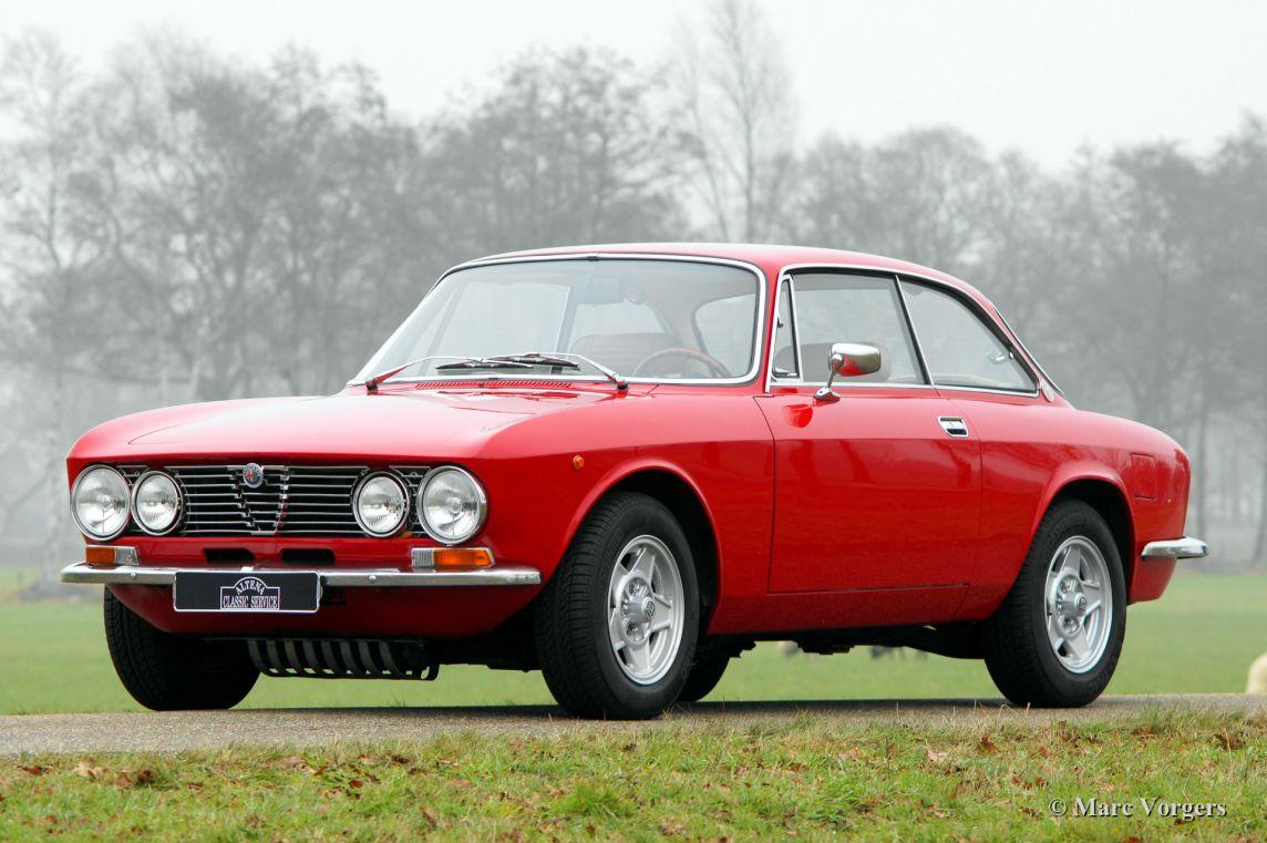 Alfa romeo giulia gt 1600 junior 1974 classicargarage fr - Alfa romeo coupe bertone 2000 a vendre ...