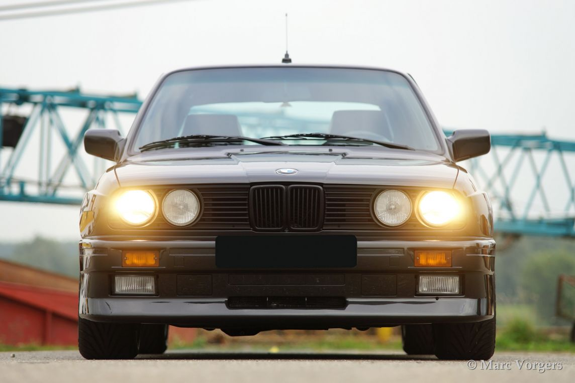 Bmw m3 1988 classicargarage fr for Garage bmw 57 thionville
