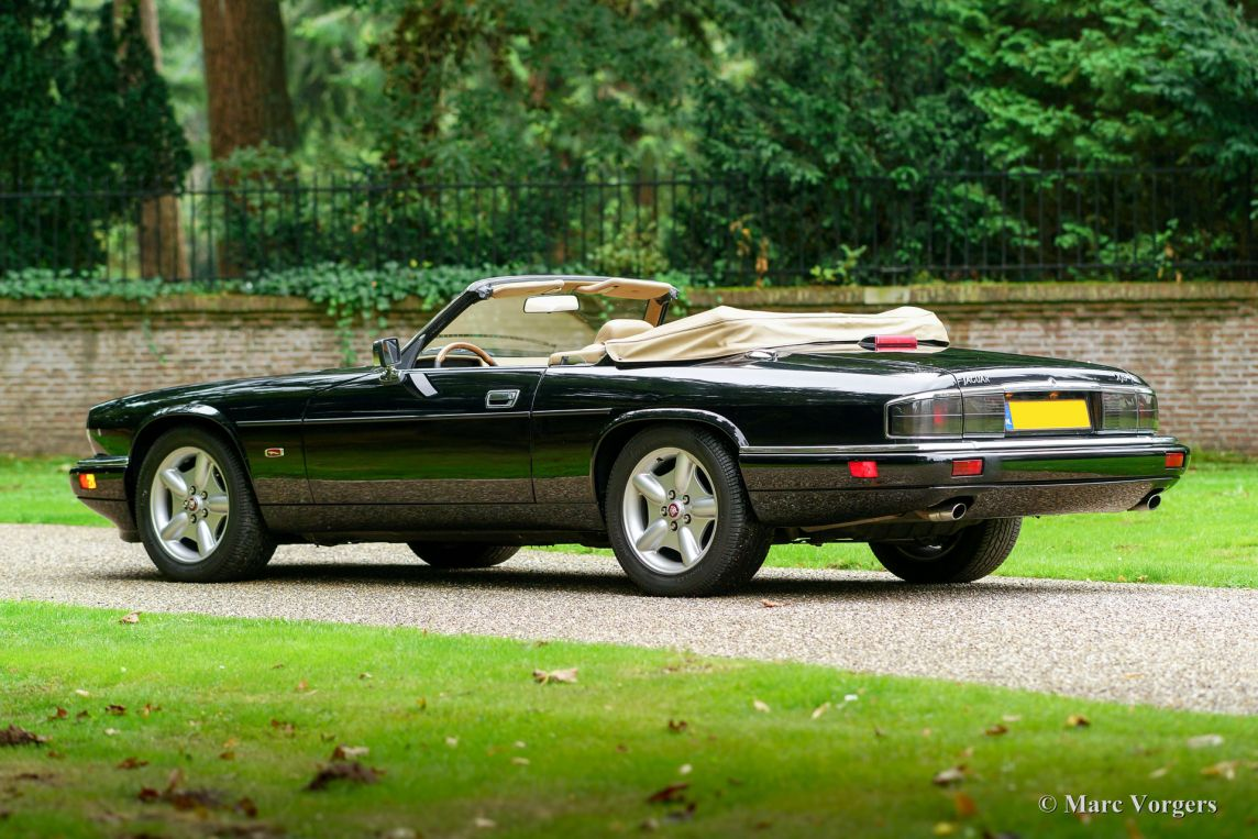 jaguar xjs 4 0 convertible 1995 classicargarage fr. Black Bedroom Furniture Sets. Home Design Ideas