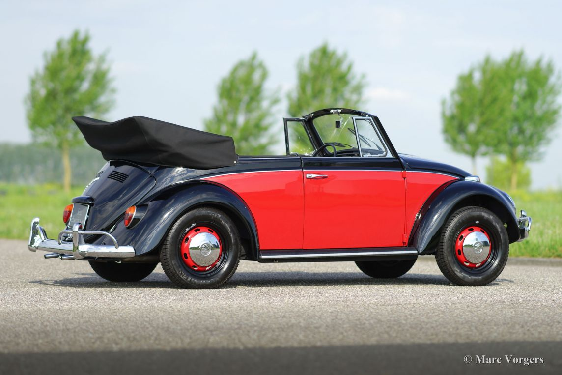 volkswagen 39 beetle 39 1300 cabriolet 1967 classicargarage fr. Black Bedroom Furniture Sets. Home Design Ideas