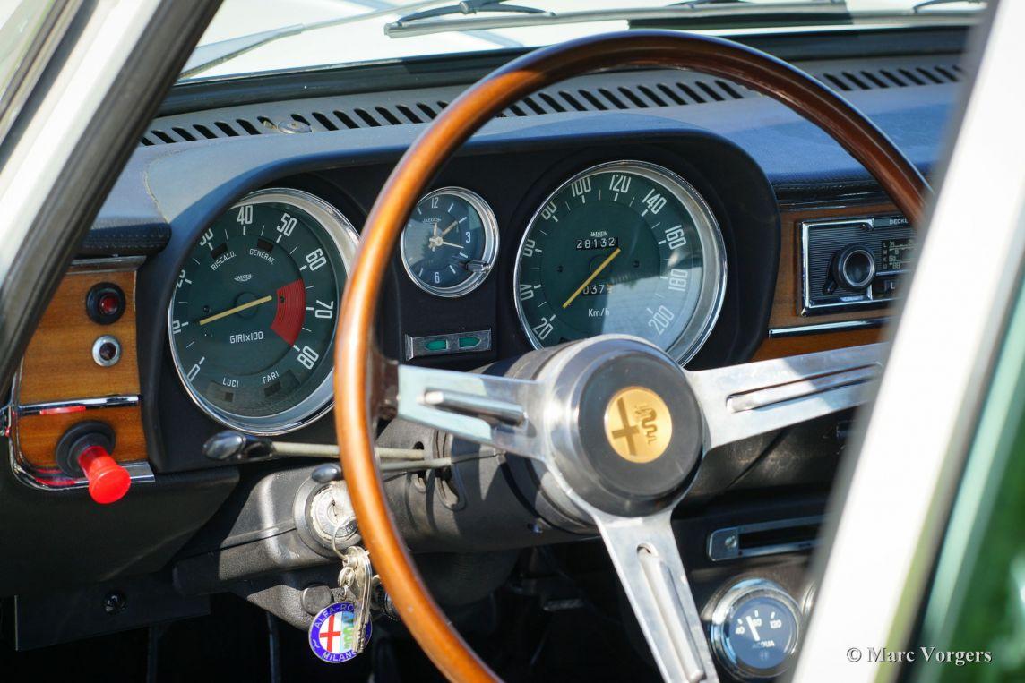 Alfa Romeo Giulia Super F E on Alfa Romeo Giulia Interior